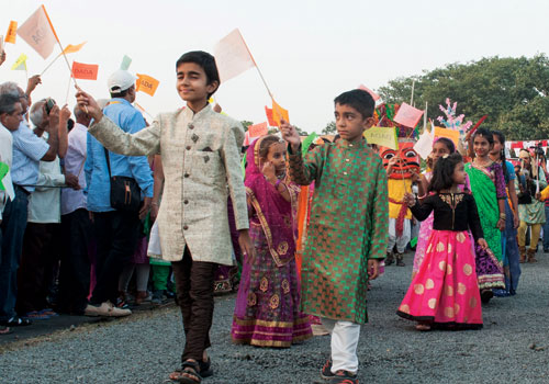 Little Mahatmas of Valsad expressing their merriment on the arrival of Pujyashree